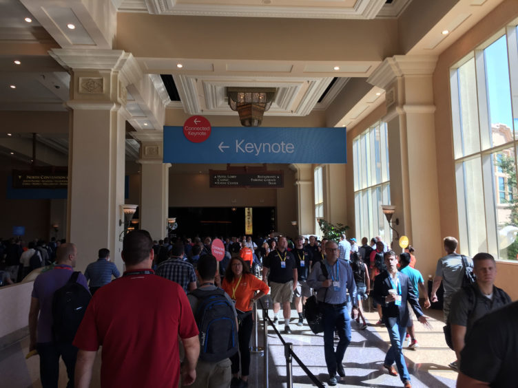 A sign showing where the Keynote is located.